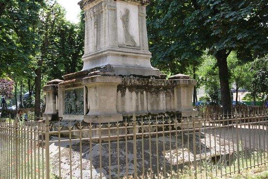 Square Jacques Antoine