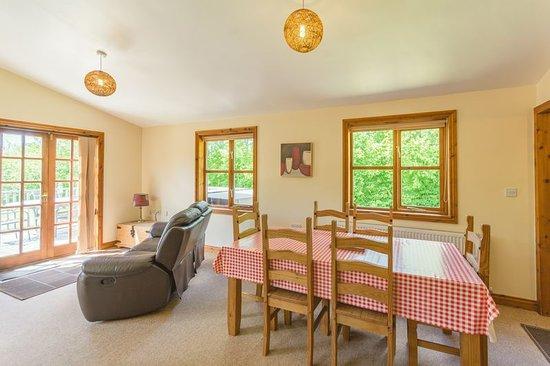 Herrington Park Holiday Log Cabins York: Open plan living space.