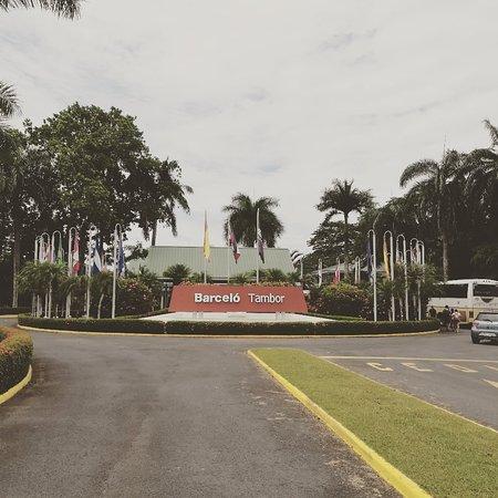 Excelente lugar, su personal y las instalaciones son de excelencia. Una ves más satisfecho de visitar este lindo lugar. 👍