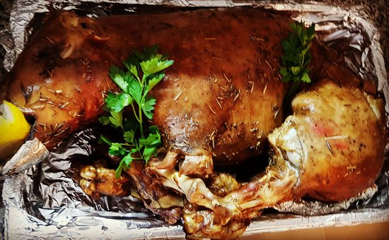 Maialino al forno 🐷 *solo su Prenotazione tel.0931719330
