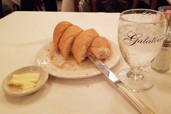 More Than 30 Minutes Of A Bread And Water Diet While Ignored At Galatoire S On Saturday Night Picture Of Galatoire S Restaurant New Orleans Tripadvisor