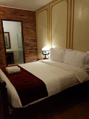 Casa Binondo 1: Huge 4 bedroom with en-suite bathrooms