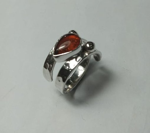 Sanur Jewellery Studio: Chakra Healing Gemstone Tarot Class for Big Groups - Amber and sterling silver ring