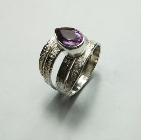 Sanur Jewellery Studio: Chakra Healing Gemstone Tarot Class for Big Groups  - Amethyst and sterling silver ring
