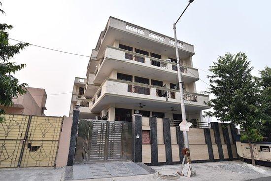 OYO 23628 Greno House