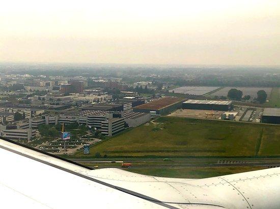 KLM Royal Dutch Airlines: Landeanflug in Richtung AMS