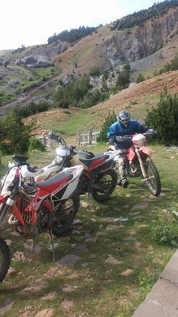 Gramsh, แอลเบเนีย: Motorbike groups from Italy, Hotel Grabova