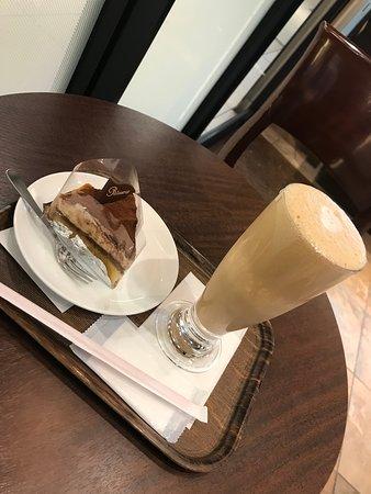 Kaffe und Dessert