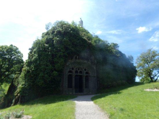 Chapelle Monolithe