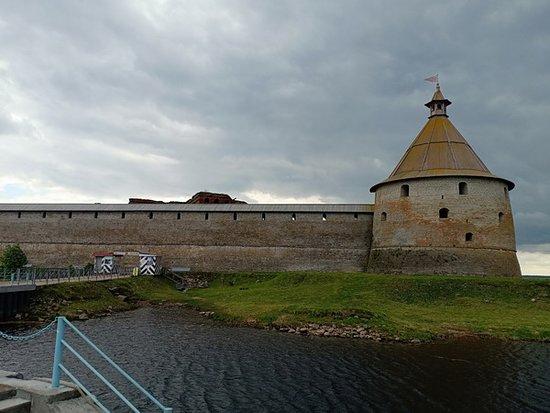 Из десяти башен крепости  до нашего времени уцелели только шесть
