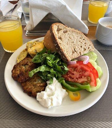Mediterranean Hotel: Frokosten