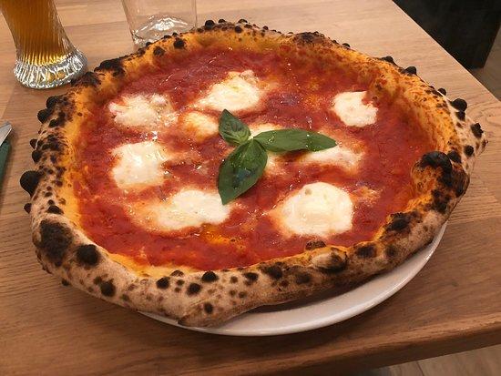 Grande pizza a Budapest