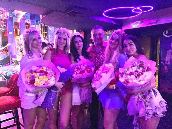 Дубаи ночные клубы мужской клуб в краснодаре барсук