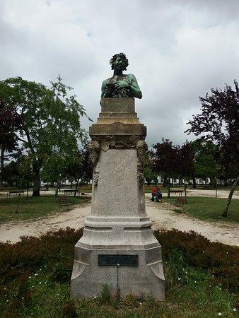 Monumento a Deus Baco