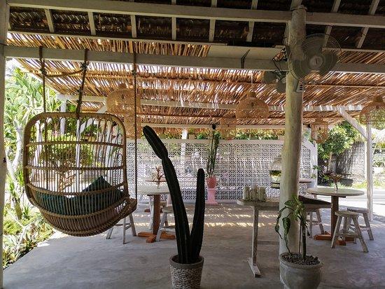 Cafe\'s deco - Picture of Secret Penida Cafe, Nusa Penida ...