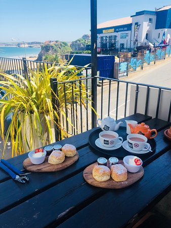 Barefoot At The Beach: Cornish cream tea 🍵