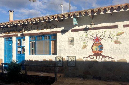 Andoriña Hostal, Arte & Cultura