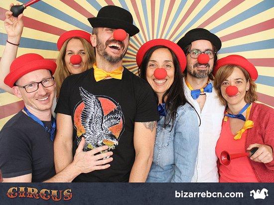 Foto genial a la salida de Circus