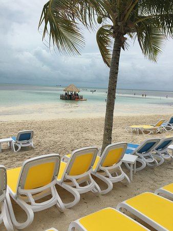 CocoCay Floating bar location near South Beach.On the attached map bar was by #30 upper part, but might have moved since the clam shell loungers were there and they moved for S. Bch construction.