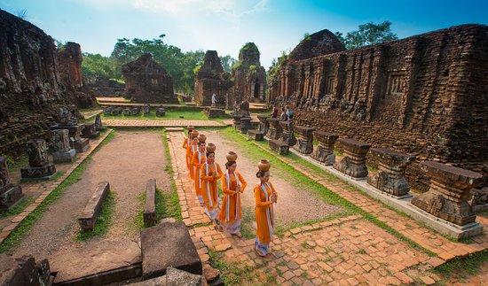 Duy Phu, เวียดนาม: Múa Đội nước