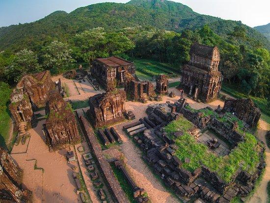 Duy Phu, เวียดนาม: KHU ĐỀN THÁP MỸ SƠN NHÌN TRÊN CAO