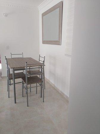 Σάντα Μάρτα, Κολομβία: Apartamento lindo acogedor en santa marta Colombia, lugar ideal para pasar un tiempo de descanso con familia o amigos, cuenta con 3 habitaciones 2 baños cocina completamente equipada y cuarto de ropas.