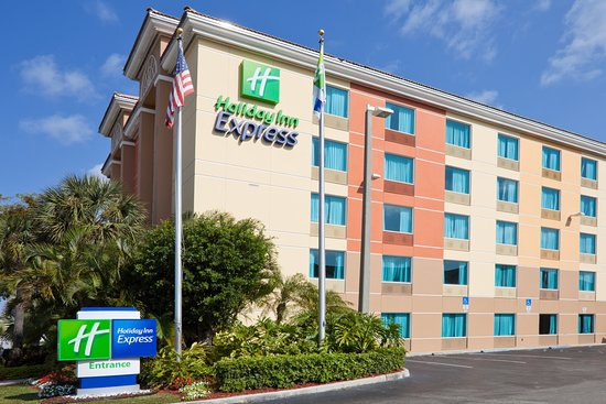 Holiday Inn Express Ft. Lauderdale Cruise-Airport Hotel