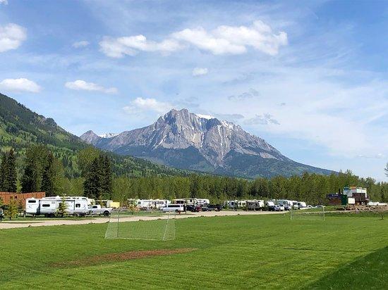 Fernie RV Resort: Soccer field and views...