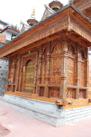 Sangla, Indien: Part of the newer construction in the temple