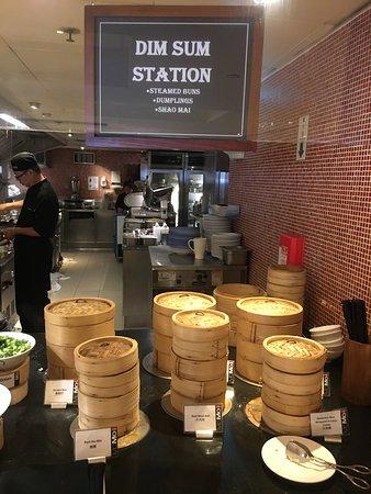 Courtyard Hong Kong: Breakfast buffet dim sum corner