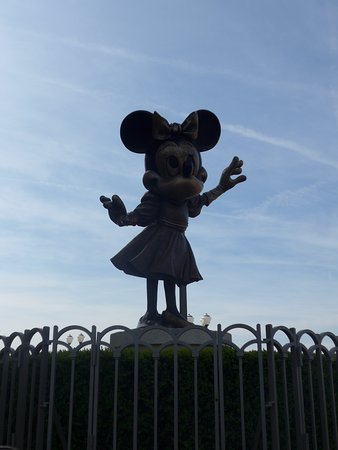 Disneyland Paris: Minnie mouse in the Disney Village outside the large Disneystore in @DisneylandParis