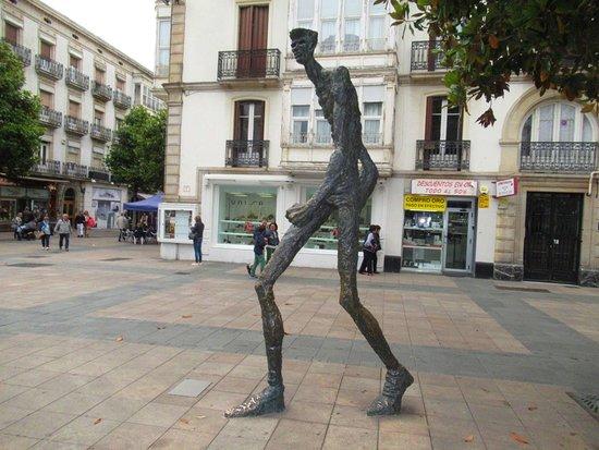 Estatua de El Caminante
