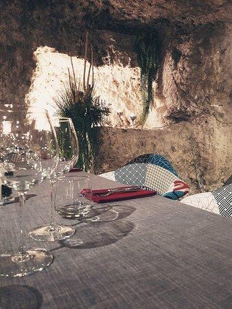 Les Caves de la Croix Verte