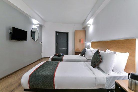 Super Oyo Townhouse 074 Nampally Hyderabad Hotel Reviews Beatyapartments Chair Design Images Beatyapartmentscom