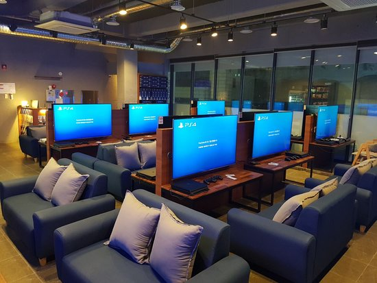 Lounge Play Station