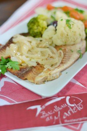 Restaurante Bacalhau De Martelo: Filé de Tilápia com legumes