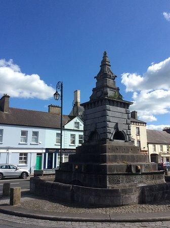 Abbeyleix, Írsko: Fountain in Market Square