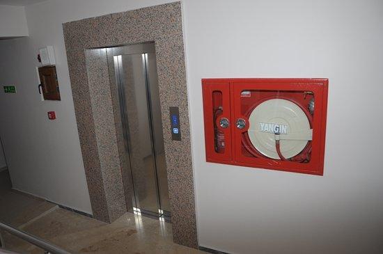 Yalova Province, Turkey: asansör