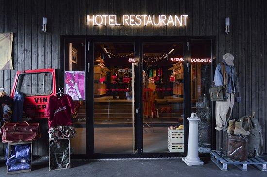 MOB HOTEL - Saint Ouen - Paris - Les puces - Restaurant méditérranéen - italien - israélien - pizzeria - Brunch - food