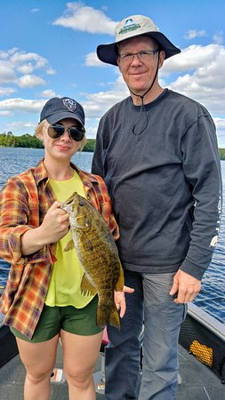 Tom Leahy's Guide Service: A big smally on the Chippewa Flowage !