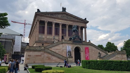 Driveczech - Your Personal Driver: Museum in Berlin. Get there in comfort from Prague. Hire your personal driver via our website.
