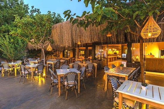 Faros Beach And Restaurant: Faros Restaurant