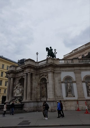 Denkmal Erzherzog Albrecht: Nice statue