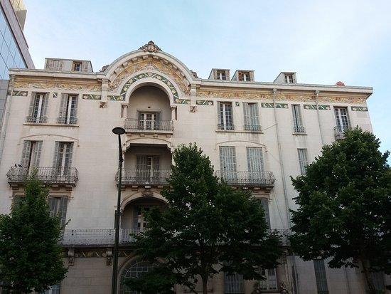 Fachada do Edificio na Rua Alexandre Herculano,57