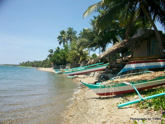 Boac, Filipinler: Ihatub Beach a village free go swim no cost a single centavos far away is Adis Resort and Hotel Restaurant.
