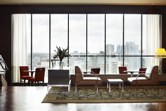 Sheraton Centre Toronto Hotel: Bar/Lounge
