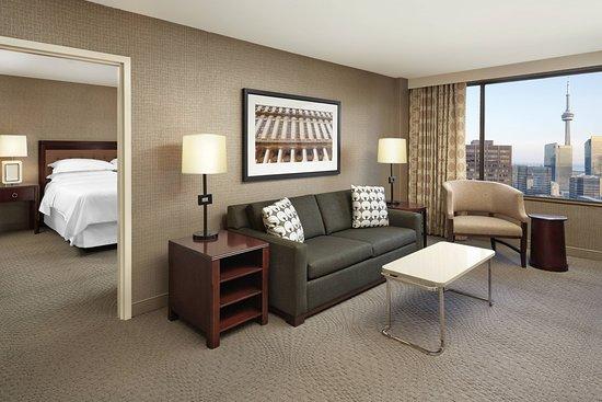 Sheraton Centre Toronto Hotel: Suite