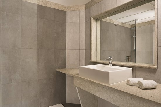 Four Points by Sheraton Catania Hotel & Conference Center: Guest room