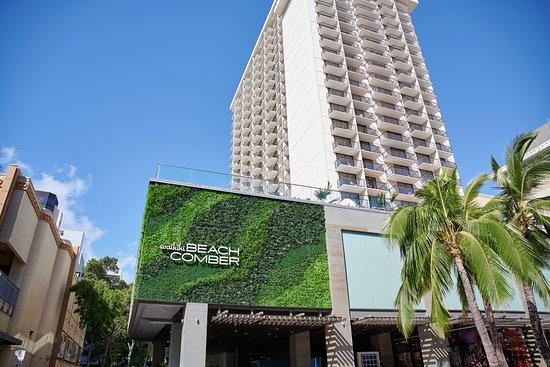 Review Of Waikiki Beachcomber By