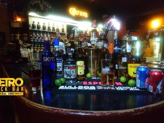 Metro Rock Bar: Campari nuestro socio comercial, trabajando juntos para ofrecerte los mejores productos.